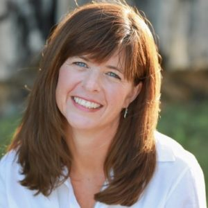 How to create course content that people will buy and get results from with Course Whisperer Cindy Nicholson